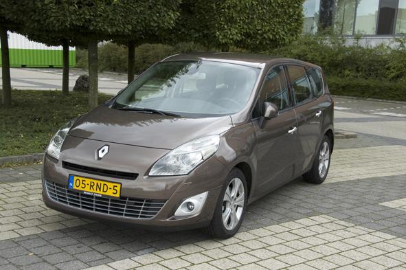 Beenruimte Renault Grand Scénic 1.9 dCi 130 | Langzijn.nl