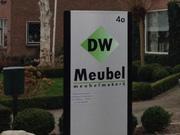 DW Meubel reclamezuil