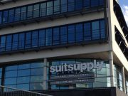 Suitsupply aan de A2 in Zaltbommel