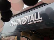 Logo op gevel Tough&Tall