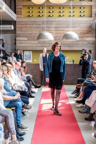 Transgender steelt de (mode)show Pretty Tall