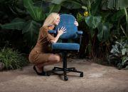 EMTEK maakt bureaustoelen op maat voor lange mensen