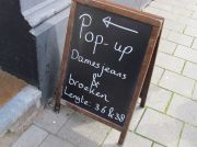 Pop-up store lange damesbroeken