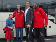 De langste mannen ter wereld komen naar Haarlem