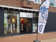 Pop-up store voor lange mensen blijft langer in Friesland
