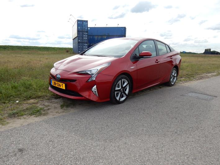 Toyota Prius 1.8 Hybrid Dynmic Automaat